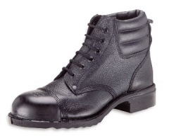Black Boot with External Toecap